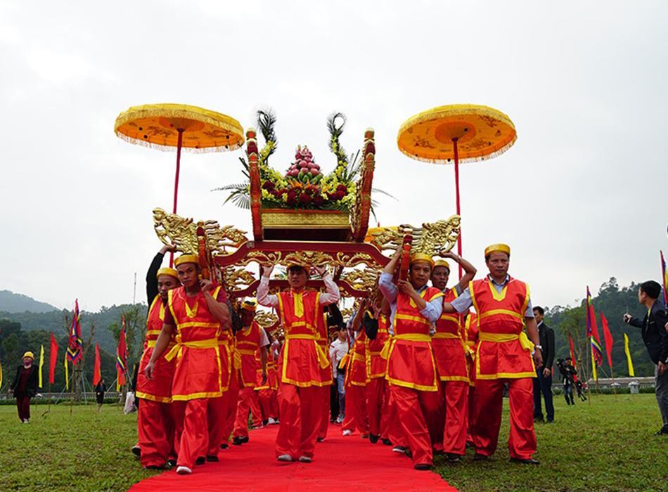 Lễ-hội-Yên-Tử-Quảng-Ninh_Thiên-Nhân-Travel