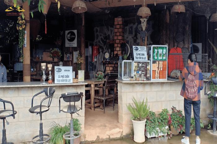 quán cà phê Chồn