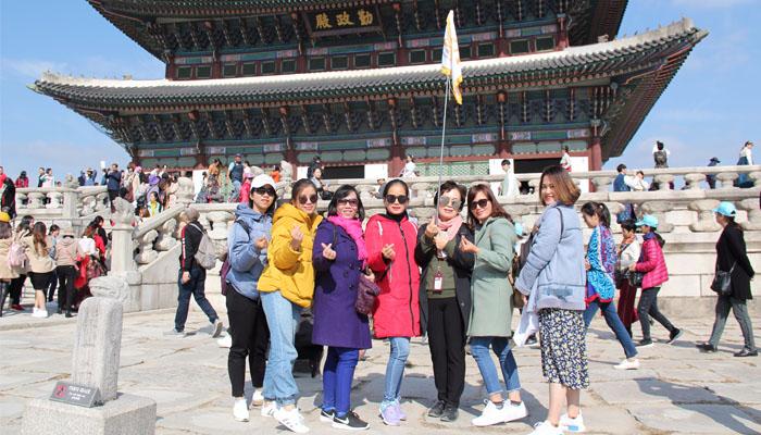 Tham quan Cung điện Gyeong-bok