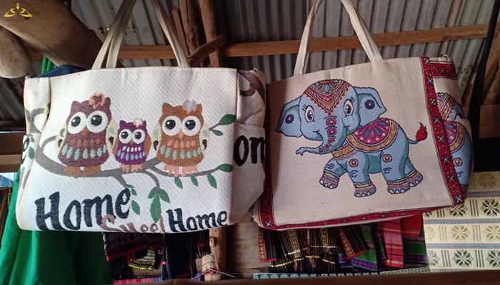 Các sản phẩm dệt thổ cẩm của người dân tộc K'ho Chill