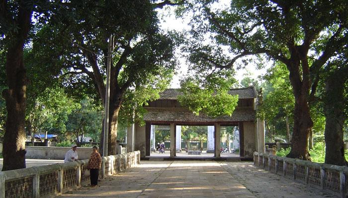Chùa được xây dựng từ thời vua Lý Anh Tông, còn gọi là Chiêu Thiền Tự