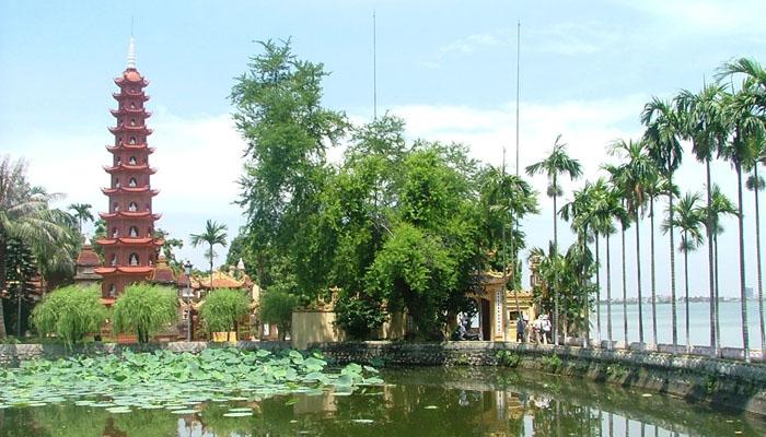 chùa Trấn Quốc là một trong những nơi được nhiều người tìm đến để cầu duyên