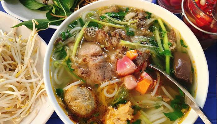 Bún bò - món ăn ngon Đà Lạt