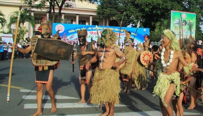 Du lịch tỉnh Kon Tum lần thứ 4- Lễ hội đường phố trong Tuần Văn hóa