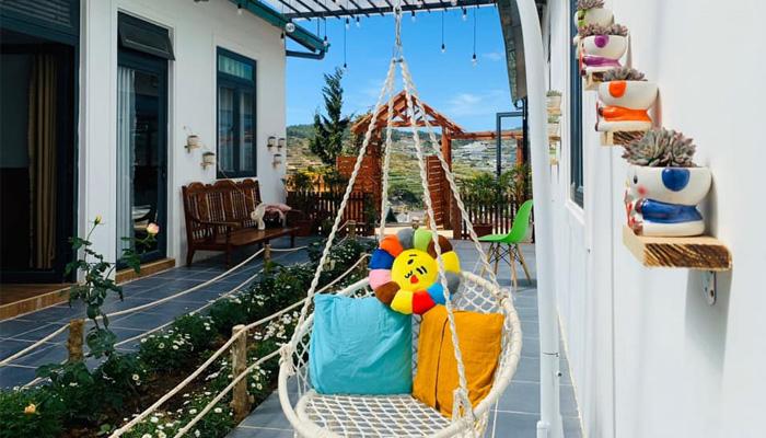 Không gian đầy sắc màu của I.XORA homestay & coffee