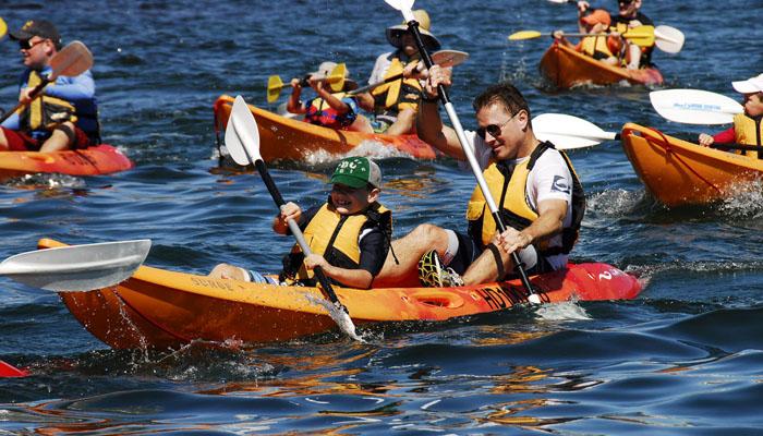 Trò chơi chèo thuyền Kayak vượt qua thử thách team buiding Đà Lạt (Ảnh: Internet)