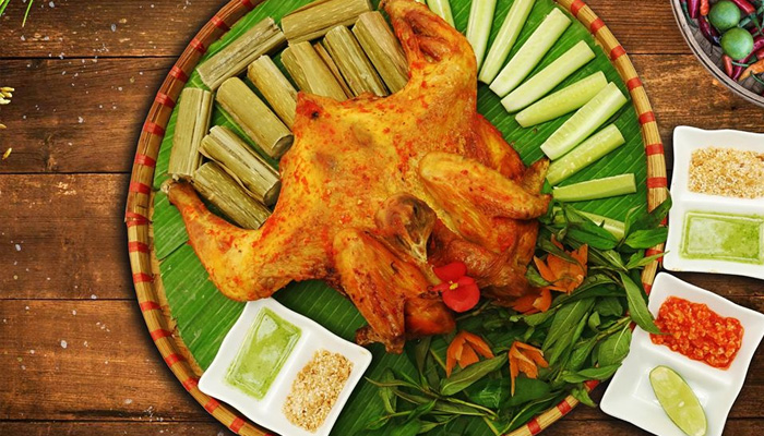 Cơm lam gà nướng - món ăn Đà Lạt hấp dẫn