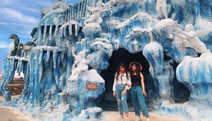 Trước đây, khi du khách biết đến Động Băng chỉ có ở các nước lạnh giá, âm độ thì nay đã có tại Fresh Garden.
