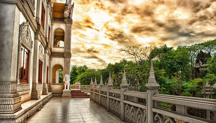 Khung cảnh về chiều của chùa Bửu Long