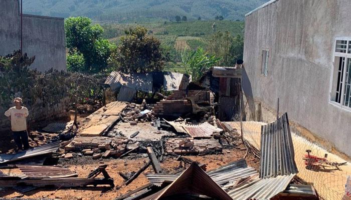 Hiện trường căn nhà bị cháy rụi
