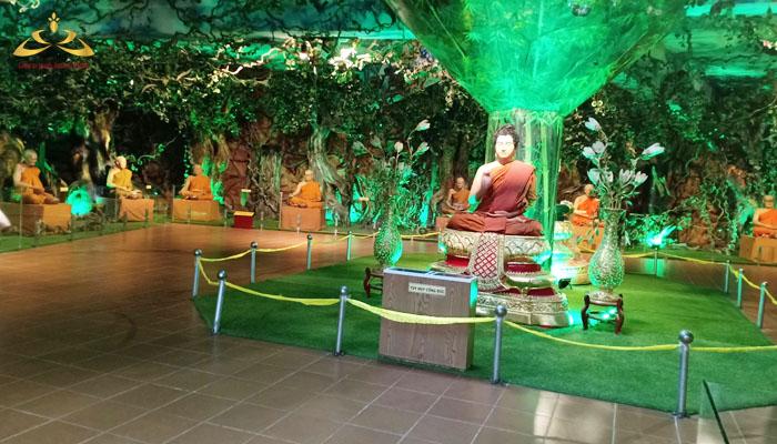 Khu rừng thiêng