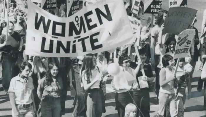 Phụ nữ biểu tình giành quyền lợi