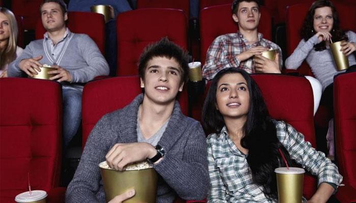 Trong ngày 8/3 cùng cô ấy xem một bộ phim, chắc chắn cô ấy sẽ rất hạnh phúc