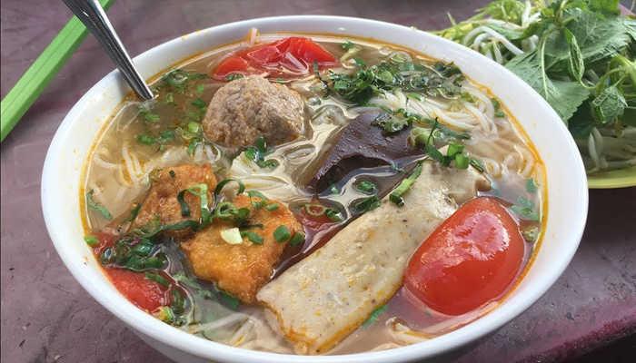 Bún riêu Nguyễn Văn Trỗi Đà Lạt - ẩm thực Đà Lạt ngon