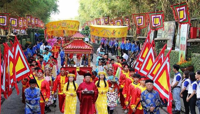 Giỗ tổ Hùng Vương là dịp để chúng ta nhìn nhận lại những biến cố của đất nước qua các thời kỳ đồng thời đặt ra những nhiệm vụ mới cho quá trình xây dựng chủ nghĩa xã hội, phát triển đất nước.