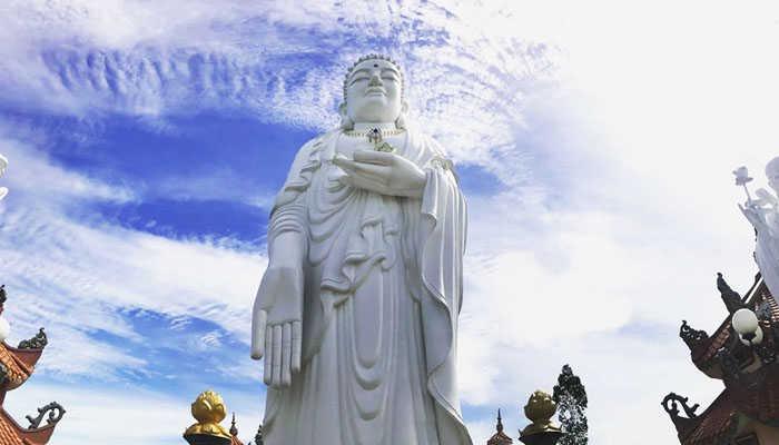 Tượng Phật tổ cao 39 mét