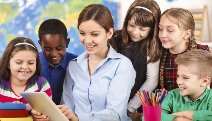 10 cách giúp phát triển kỹ năng giao tiếp cho trẻ cha mẹ nên biết