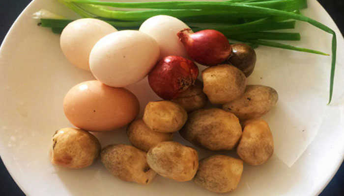 Phòng dịch covid 19 với trứng tráng nấm phô mai